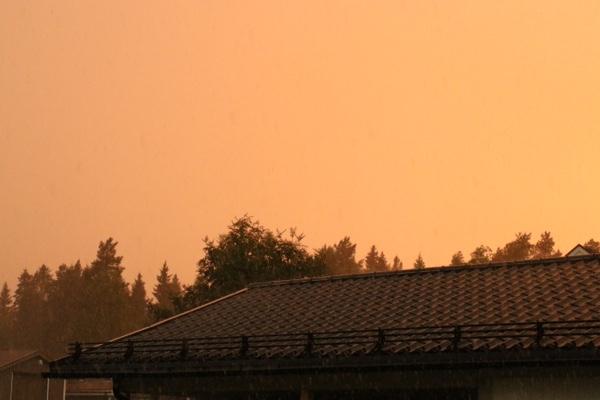 Monsunregn sommarregn sommar regn norrbotten himmel ljus